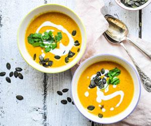 Dein Rezept für die absolute Kürbissuppe mit Ingwer und Kokosmilch